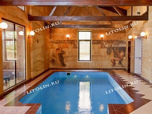 Фреска фото. Фреска на стене в бассейне